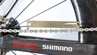 How to shorten a bike chain using a chain tool